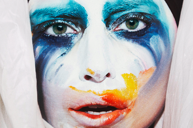 Lady-Gaga-Goes-on-ARTPOP-Tweeting-Spree-Announces-Applause-Video-Release-Date