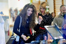 Taylor Swift and Lorde have a Free People retail therapy session