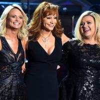 Kelly Clarkson homenajea a su suegra y no pasa del aprobado | No Entiendo Tus Botas