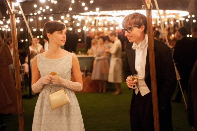 the-theory-of-everything-eddie-redmayne-felicity-jones2
