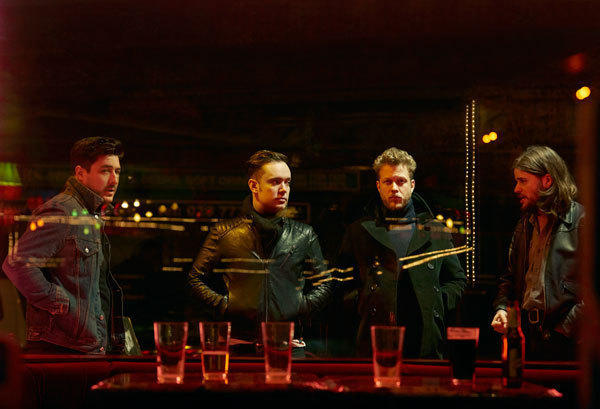 mumford-and-sons-unveil-electric-sound-of-wilder-mind-in-roxy-show_1
