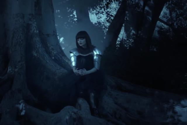 chvrches-clearest-blue-music-video-640x427