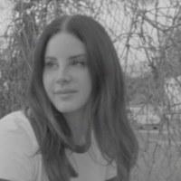 """Lana del Rey vuelve a conquistarnos con la misma fórmula en el estreno de """"Mariners Apartment Complex"""""""